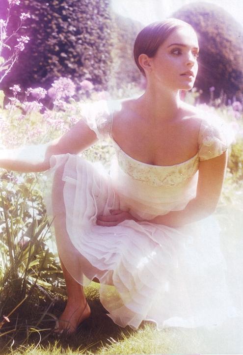 Emma Watson - Alexi Lubomirski 03.jpg