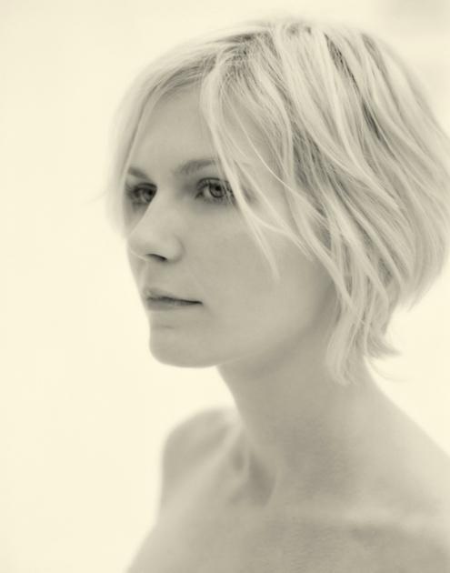 Kirsten Dunst - Kevin lynch 02.jpg