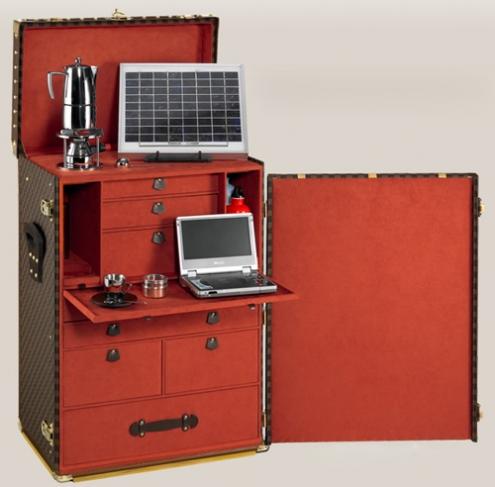 louis_vuttion_solarpowered_trunk.jpg