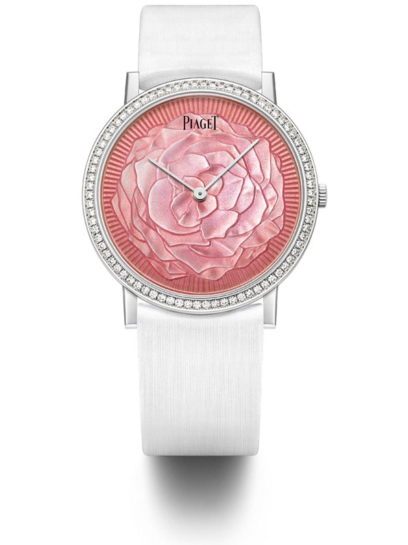 piaget,joaillerie,joaillier,jewellery,jewelry,jeweller,horlogerie,horology,altiplano,suisse,yves piaget,rose,collection,flower,pink,fashion,mode,luxe,luxury,collier,bague,necklace,ring,or,gold,white gold,diamants,diamonds,rose passion,passion,patrimoine,héritage,savoir faire,know how,artisans,artisanat,exception,prestige,collection art & excellence,hervé obligi,sylvie deschamps,marqueterie de pierres,broderie,fil d'or,fil d'argent,sihh 2015,amour,saint valentin,cadeau,gift