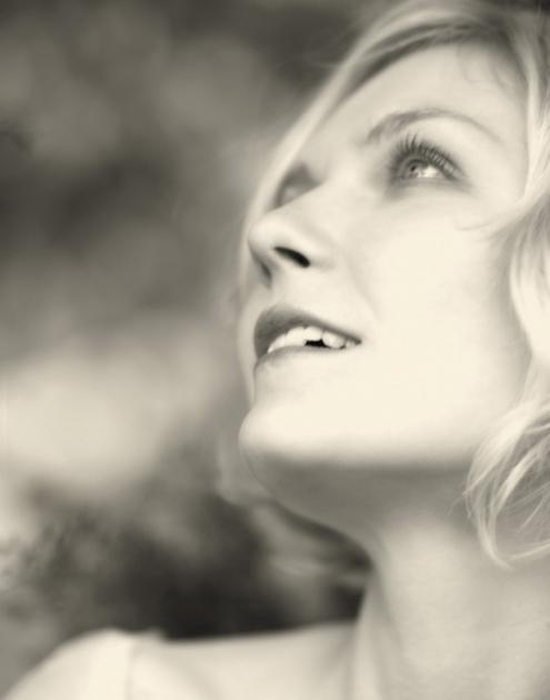Kirsten Dunst - Kevin lynch 01.jpg