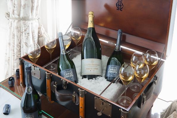 heidsieck,charles heidsieck,blanc des millénaires,blanc,millénaires,champagne,champaign,vin,wine,millésime,reims,nouvelle,identité,new,identity,brut réserve,rosé réserve,bouteille,flacon,élégance,élégante,dandy,charles camille heidsieck,luxe,luxury,raison,vendange,pinot,chardonnay,cépage,bulles,bubbles,pétillant,coffret,malle 1852,malle œnothéque,malle 1860