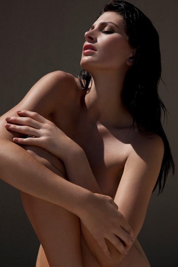 leigh yeager,jeff tse,fashion editorial,mode,éditorial,editorial,fashion photographer,fashion,naked,bare,nue,sexy,modeling,summer,spring,printemps,été,photographe,luxe,luxury,black,white,portrait,glamour,mer,sea,ocean,brunette