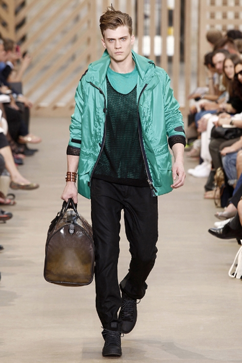 BG - Louis Vuitton 02 SS2011.jpg