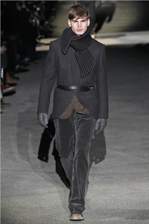 Louis Vuitton FW2011 - 02.jpg