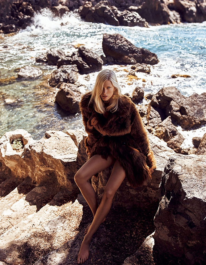 iselin-steiro-vogue-japan-october-2016-2.jpg