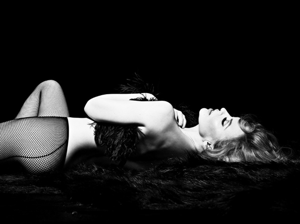 Kylie Minogue,Simon Emmettgirl, week-end, mode, éditorial, editorial, fashion photographer, photographer, fashion, colors, sexy, modeling, luxe, luxury, portrait, glamour, mannequin, lovely, gorgeous, dream, look, dress,  mood, ambiant, ambiance,star,singer,actress,australian,olivier martinez,australienne,naked,nude,nue