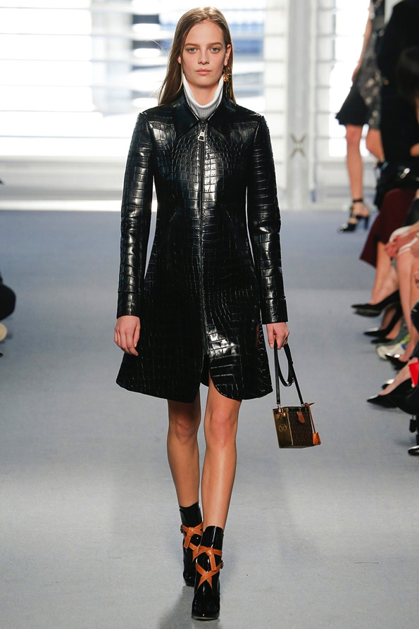 nicolas ghesquière,balenciaga,paris,fashion,mode,luxe,luxury,blog mode,blog luxe,luxury blog,tendances,trends,glamour,élégance,france,french,kering,ppr