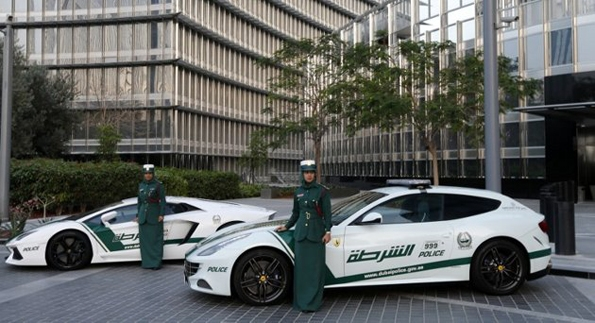 police,dubai,voitures,luxe,cars,car,luxury,chevrolet,camaro,bentley,continental gt,mercedes-benz,sls amg,ferrari,ff,lamborghini,aventador,aston martin,one 77,bugatti,veyron,moyen orient,ptrol,dollars,richesses,riche