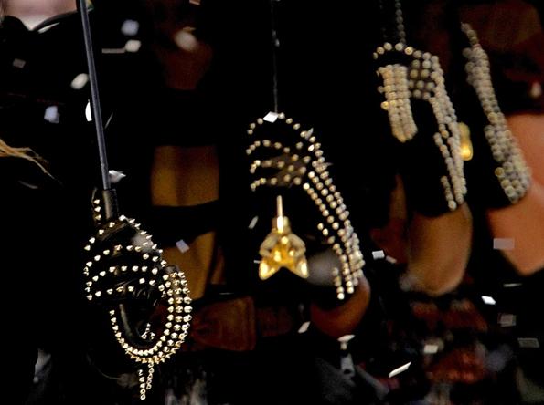 burberry prorsum,burberry,christopher bailey,men,hommes,fashion,mode,fall,automne,winter,hiver,collection,2012,2013,créateur,designer,london,milan,luxe,umbrella,parapluie,rain,luxury,accessoires,accessoire,accessory,accessories,trends,tendances,animals,duck,chasse,hunter,hunt,canard,chien,dog,precious