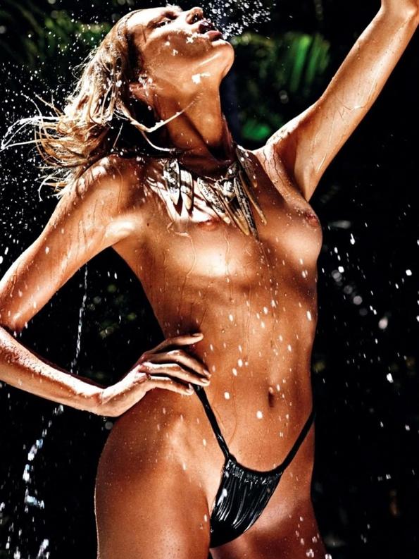 anja rubik,mario sorrenti,vogue,vogue paris,fashion magazine,magazine,fille,girl,week-end,fashion,editorial,edito,mode,modèle,modeling,top model,fashion photographer,photographe de mode,photographe,photographer,luxe,luxury,glamour,élégance,sexy,nude,naked,arts,art,magazine de mode,série de mode,stylisme,tendances,trends,femmes,summer,été