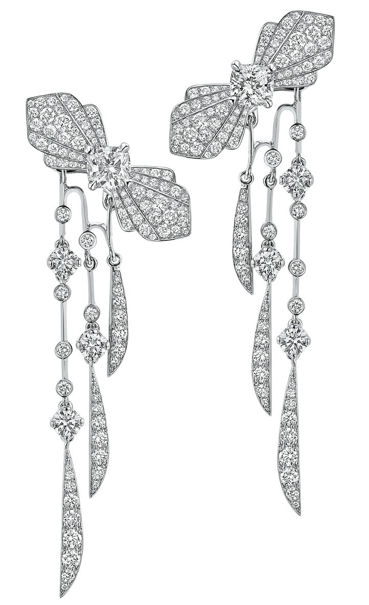 Silhouette-BO amovibles en or banc 18 cts et diamants -62 500€.jpg